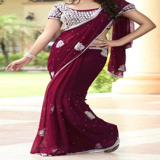 Sari 2 - Sari bordeaux pourpre avec joli bustier en broderie argentée, et bordure du sari argentée.
