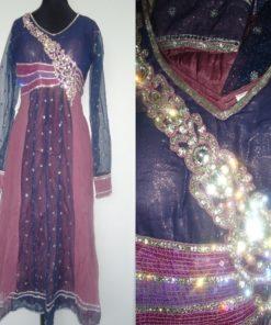Shuridar 11 Violet - Ensemble trois pièces violet comprenant la tunique (manches longues transparentes), le pantalon à rattacher par un cordon et le long châle.