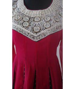 Shuridar 11 Fushia - Tenue indienne trois pièces comprenant le pantalon à serrer par un lien, longue tunique manches longues et broderies de perles argentés et pierres au niveau de l'encolure et châle assorti