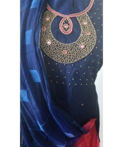 Shuridar 12 - Tenue indienne 3 pièces comprenant le pantalon à serrer par un lien, la tunique manches longues avec petites fentes sur les côtés et le châle assorti