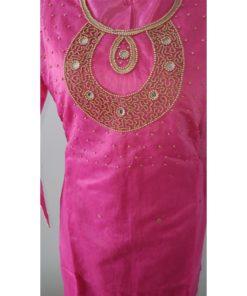 Shuridar 13 - Tenue indienne trois pièces comprenant le pantalon à serrer par un lien, la tunique manches longues avec petites fentes sur les côtés et châle assorti