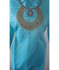 Shuridar 14 - Tenue indienne trois pièces comprenant le pantalon à serrer par un lien, la tunique manches longues avec petites fentes sur les côtés et châle assorti