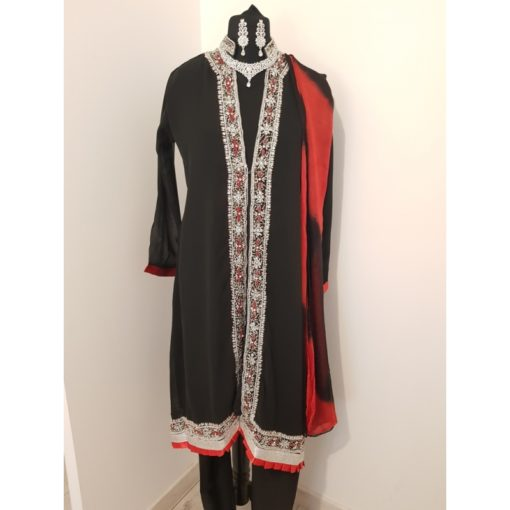 Shuridar 8 Noir - Ensemble trois pièces comprenant la tunique (manches longues), le pantalon et le châle.