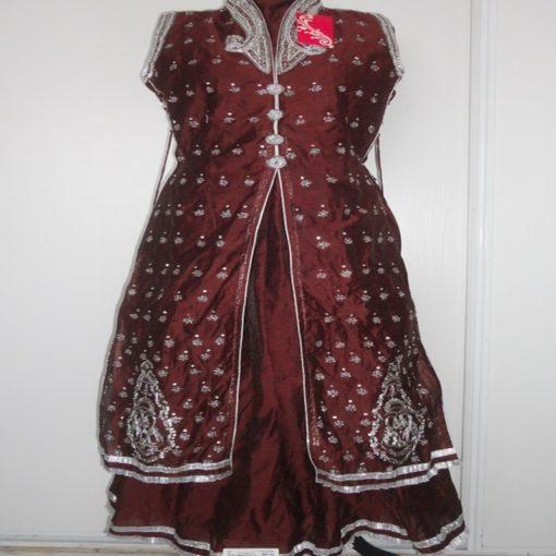 Shuridar 9 - Ensemble trois pièces cintré à la taille comprenant la tunique (sans manches), le pantalon et le châle.
