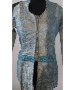 Tunique Femme - Veste Tunique bleu manches longues jacquard, col montant. Ouverture sur le devant ornés de petites pierres blanches
